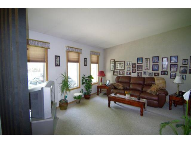 Photo 4: 14 Bergman Crescent in WINNIPEG: Charleswood Residential for sale (South Winnipeg)  : MLS(r) # 1111132