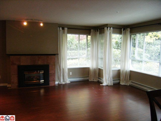 "Photo 4: 105 15375 17TH Avenue in Surrey: King George Corridor Condo for sale in ""CARMEL PLACE"" (South Surrey White Rock)  : MLS® # F1127859"