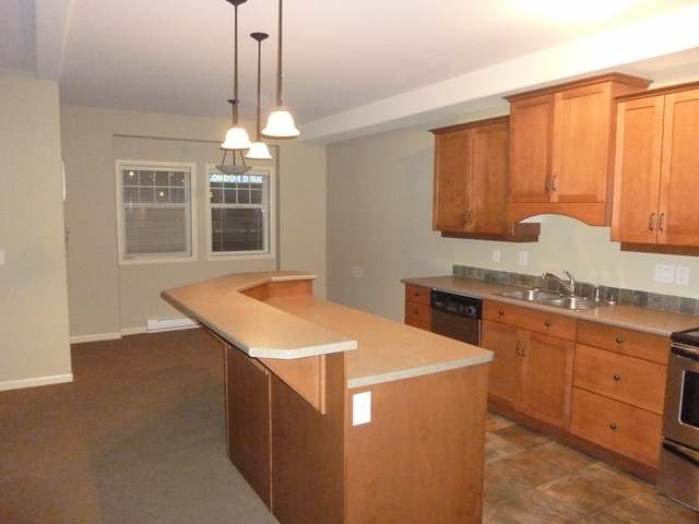Photo 2: 550 LORNE STREET in Kamloops: South Kamloops Multifamily for sale (210)  : MLS(r) # 105677