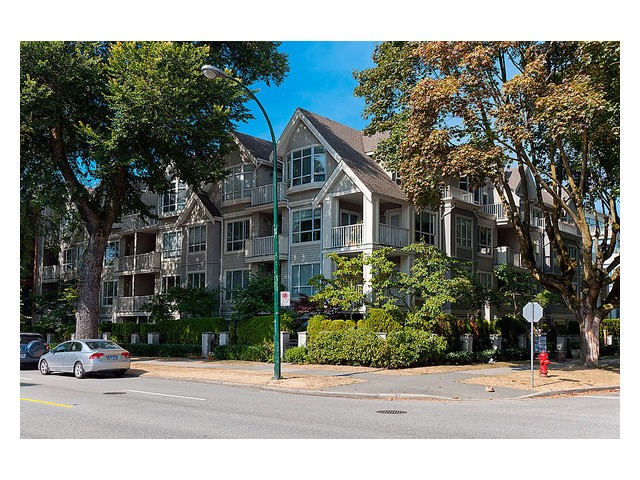 Main Photo: 303 2755 MAPLE Street in Vancouver: Kitsilano Condo for sale (Vancouver West)  : MLS® # V978385