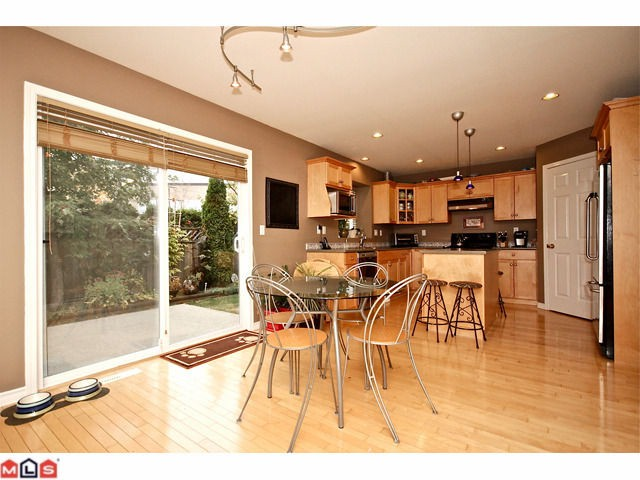 Photo 4: 9429 202A Street in Langley: Walnut Grove House for sale : MLS(r) # F1225238