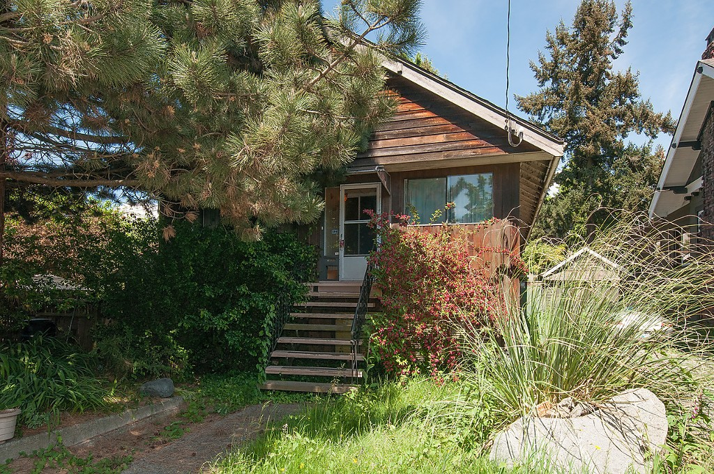 Main Photo: 2497 W 7TH Avenue in Vancouver: Kitsilano House for sale (Vancouver West)  : MLS® # V1124042