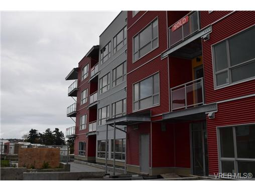 Main Photo: 103 785 Tyee Road in VICTORIA: VW Victoria West Condo Apartment for sale (Victoria West)  : MLS(r) # 358610