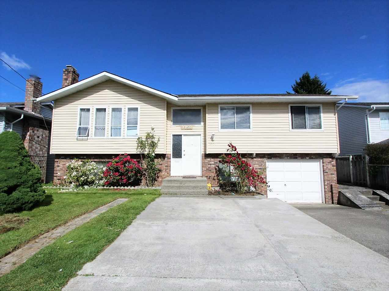 "Photo 2: 3350 CLEARBROOK Road in Abbotsford: Abbotsford West House for sale in ""CLEARBROOK"" : MLS® # R2072122"