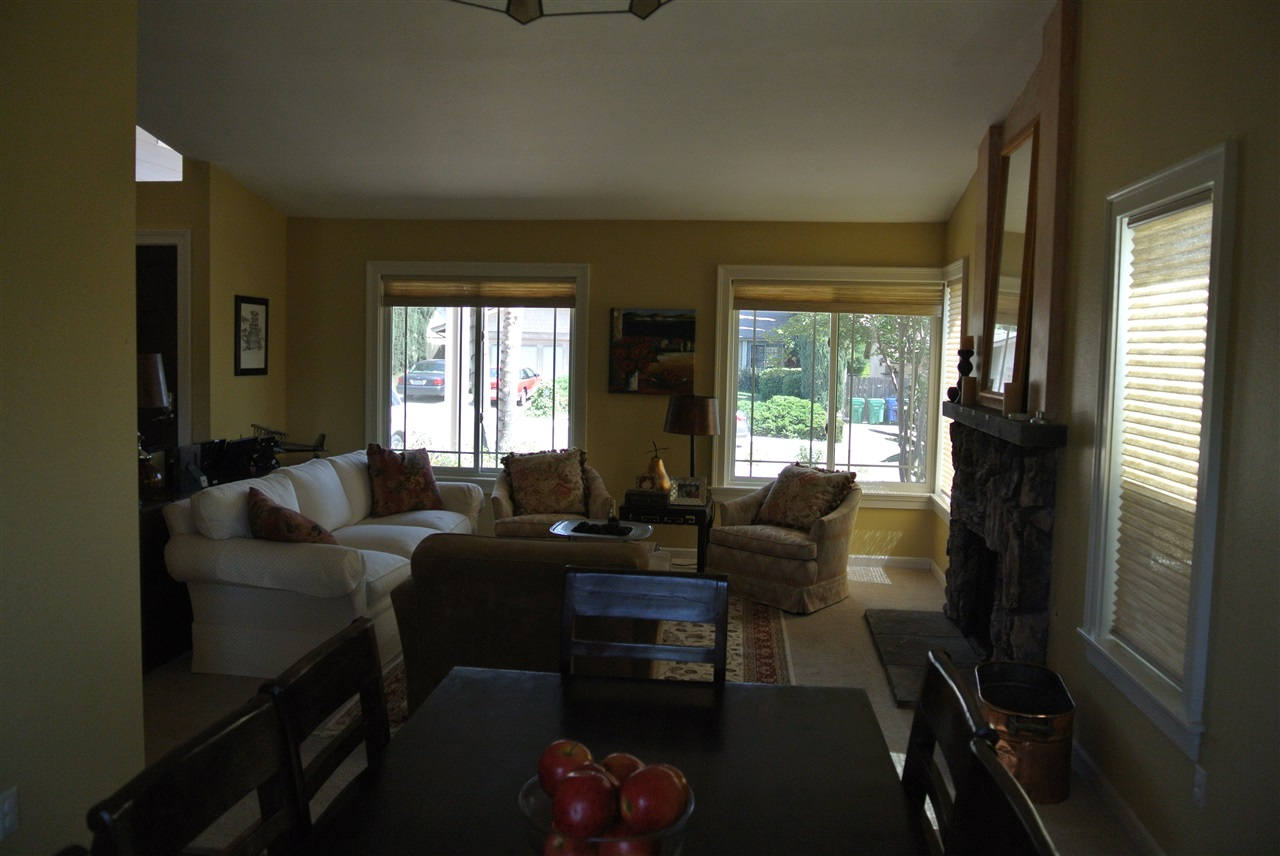 Photo 8: SANTEE House for sale : 4 bedrooms : 9346 Lake Country Dr