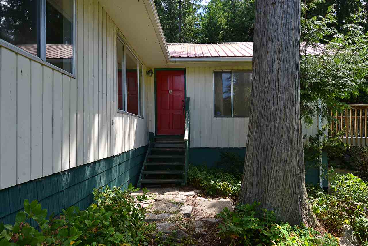 Main Photo: 3040 LOWER Road: Roberts Creek House for sale (Sunshine Coast)  : MLS(r) # R2093334