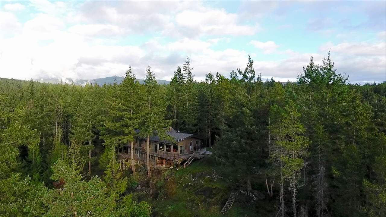 "Photo 2: Photos: 11808 SUNSHINE COAST Highway in Pender Harbour: Halfmn Bay Secret Cv Redroofs House for sale in ""MIDDLEPOINT"" (Sunshine Coast)  : MLS® # R2102704"
