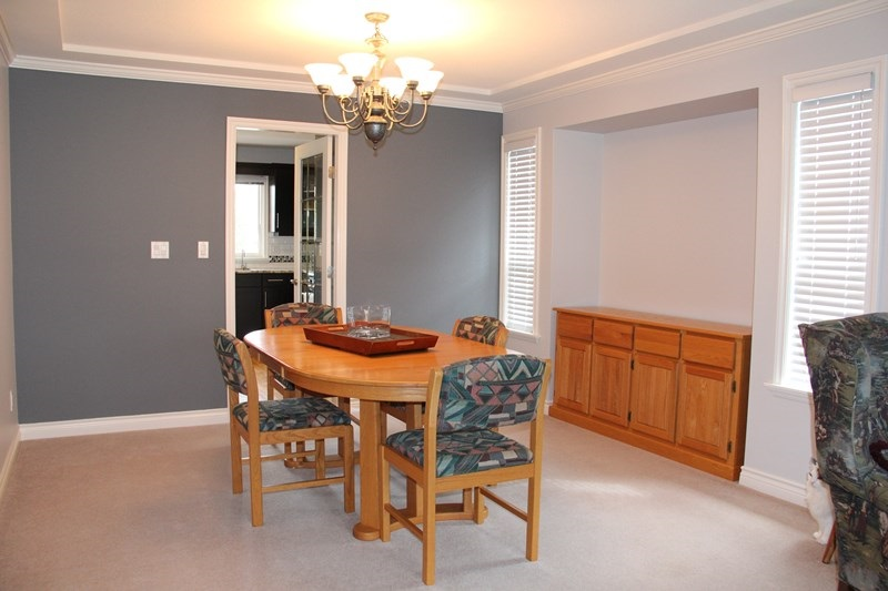 "Photo 3: 21629 47A Avenue in Langley: Murrayville House for sale in ""Murray's Corner"" : MLS(r) # R2104736"