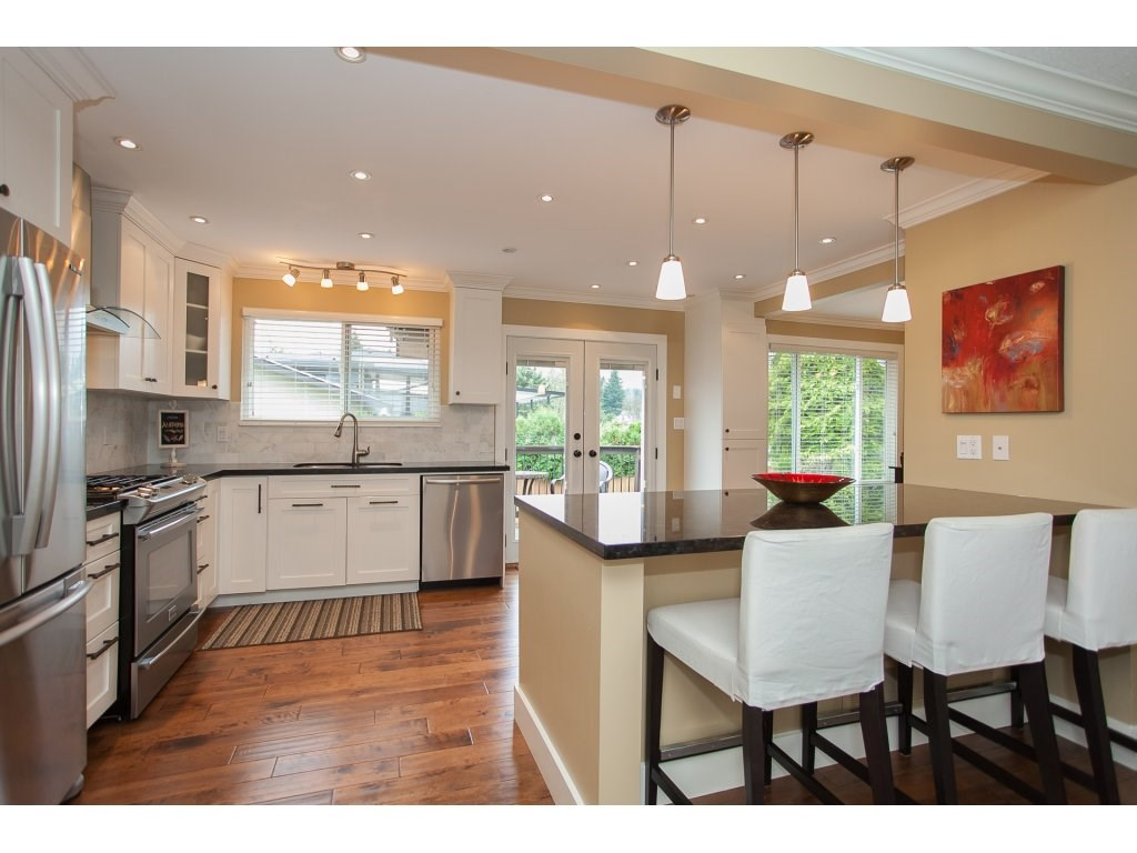 Photo 7: 730 TOWNLEY Street in Coquitlam: Coquitlam West House for sale : MLS(r) # R2126656