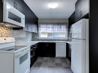 Main Photo: 12715 90 St. in Edmonton: Zone 02 House Half Duplex for sale : MLS(r) # E4059412