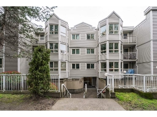 "Main Photo: 308 1516 E 1ST Avenue in Vancouver: Grandview VE Condo for sale in ""Woodland Villa"" (Vancouver East)  : MLS(r) # R2156030"