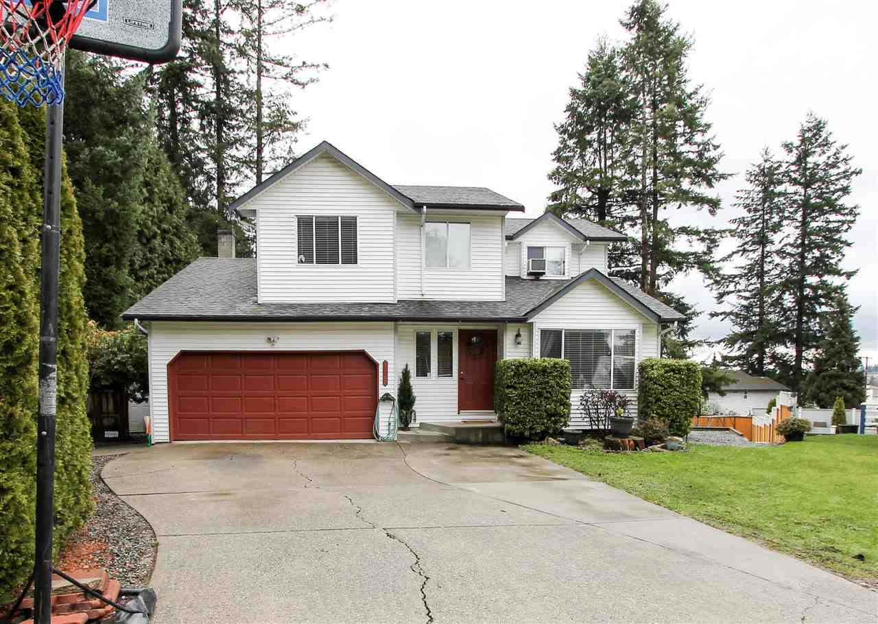 Main Photo: 14340 68A Avenue in Surrey: East Newton House for sale : MLS®# R2164929