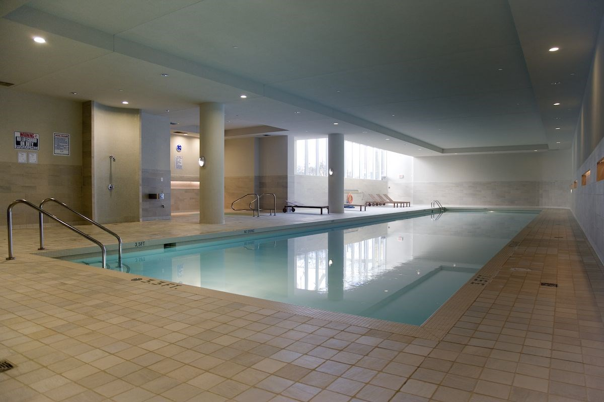 Club Oasis 80 FT Indoor Pool & Whirlpool