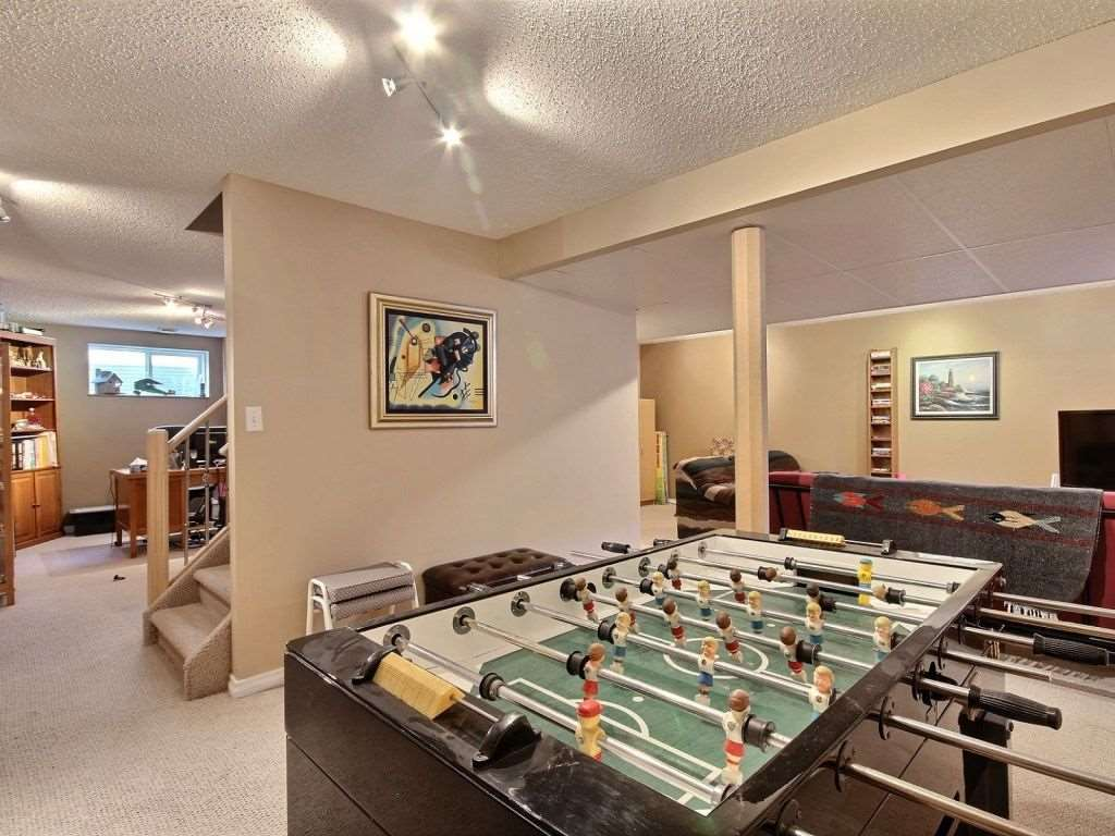 Photo 17: 922 Haliburton Road in Edmonton: Zone 14 House for sale : MLS® # E4080859