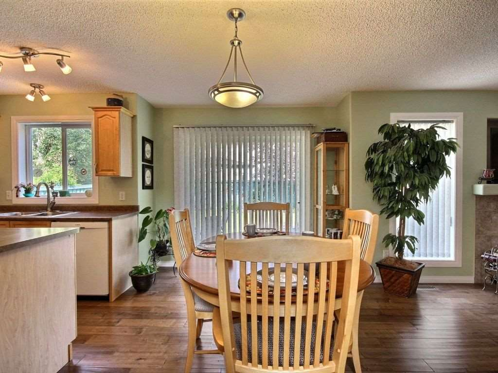 Photo 6: 922 Haliburton Road in Edmonton: Zone 14 House for sale : MLS® # E4080859
