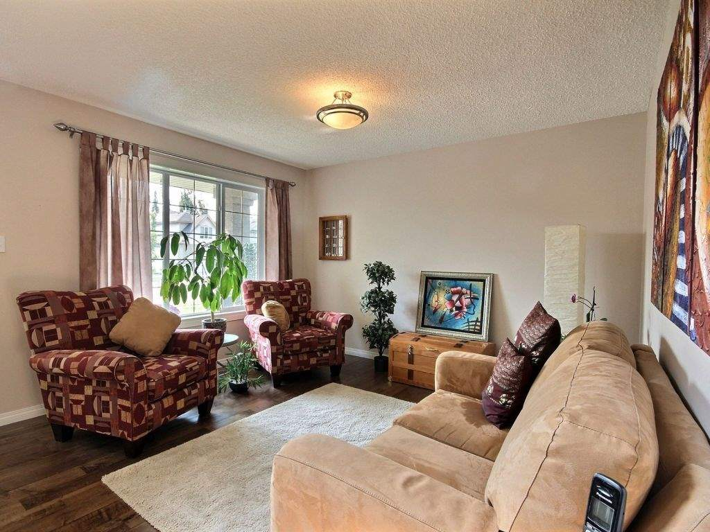 Photo 5: 922 Haliburton Road in Edmonton: Zone 14 House for sale : MLS® # E4080859