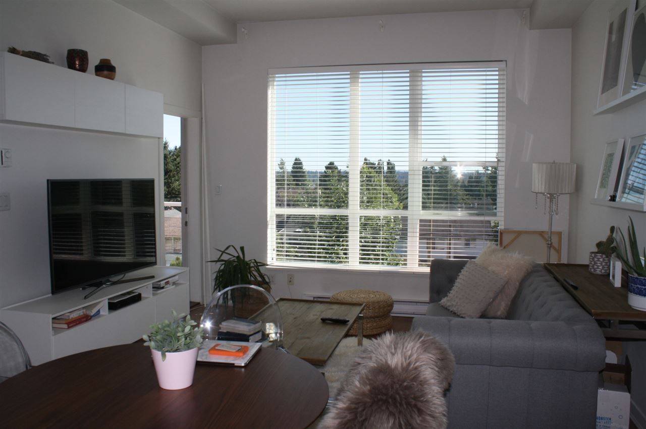 "Photo 5: Photos: 406 6440 194 Street in Surrey: Clayton Condo for sale in ""WATERSTONE"" (Cloverdale)  : MLS® # R2206364"