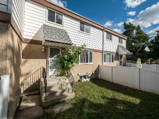 Main Photo: 9E TWIN Terrace in Edmonton: Zone 29 Townhouse for sale : MLS® # E4082729