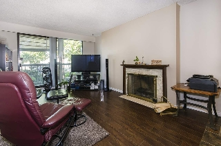 "Main Photo: 108 2600 E 49TH Avenue in Vancouver: Killarney VE Condo for sale in ""SOUTHWINDS"" (Vancouver East)  : MLS® # R2208909"