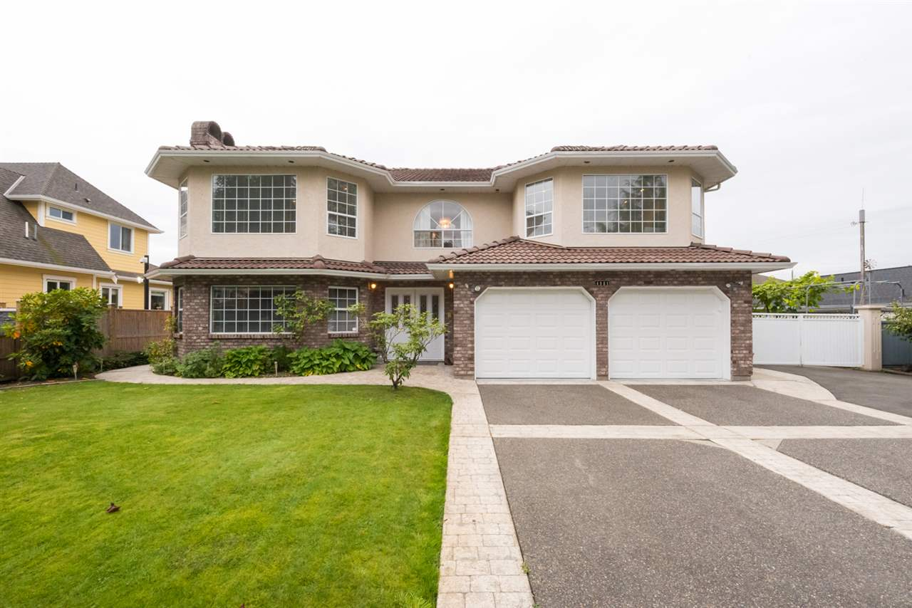 Main Photo: 4981 215 Street in Langley: Murrayville House for sale : MLS® # R2213084