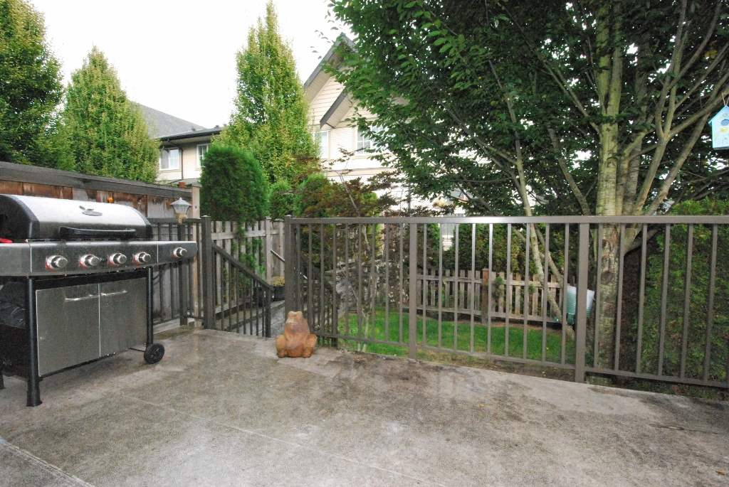 "Photo 12: Photos: 122 2501 161A Street in Surrey: Grandview Surrey Townhouse for sale in ""Highland Park"" (South Surrey White Rock)  : MLS® # R2213492"