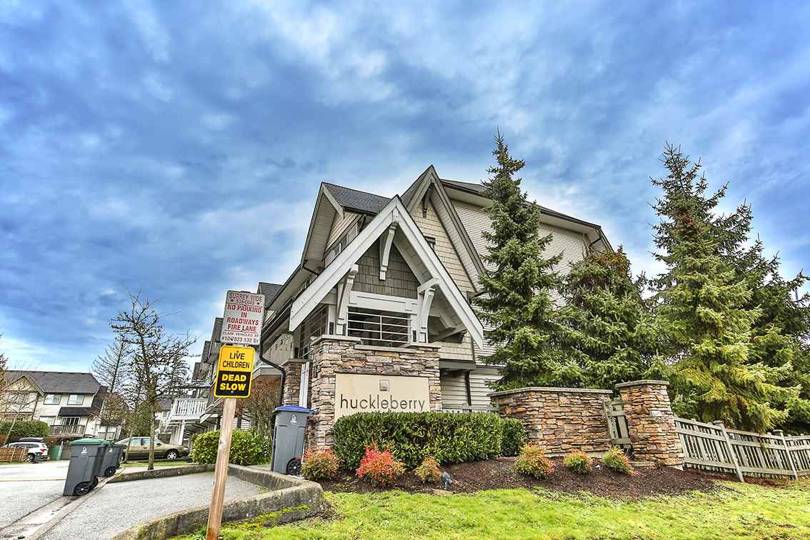 Main Photo: 23 15871 85 Avenue in Surrey: Fleetwood Tynehead Townhouse for sale : MLS® # R2229698