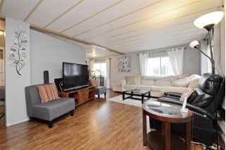 "Main Photo: 28 2035 MARTENS Street in Abbotsford: Poplar Manufactured Home for sale in ""MAPLEWOOD ESTATES"" : MLS® # R2237478"