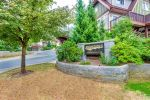 "Main Photo: 101 2000 PANORAMA Drive in Port Moody: Heritage Woods PM Townhouse for sale in ""MOUNTAINS EDGE"" : MLS®# R2309703"