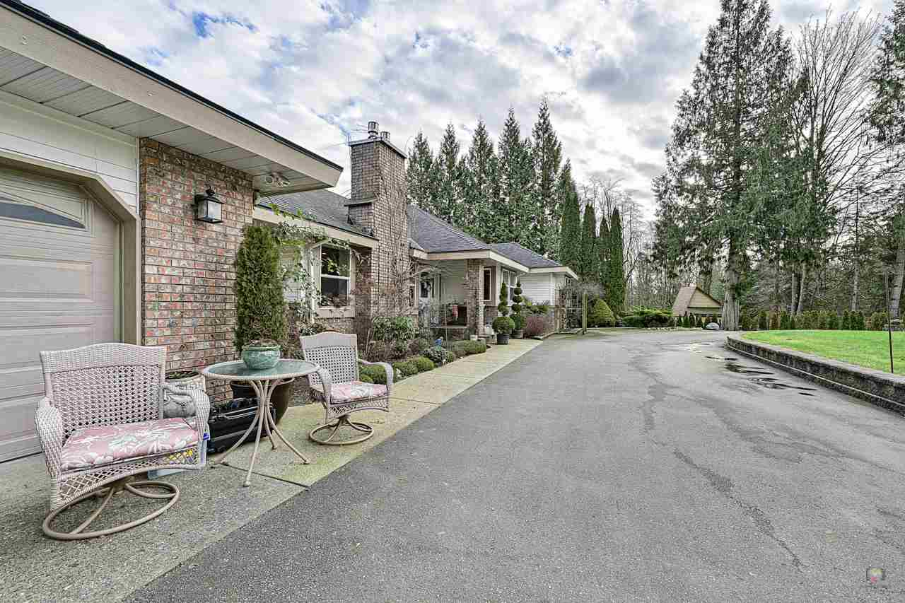 FEATURED LISTING: 9950 284 Street Maple Ridge