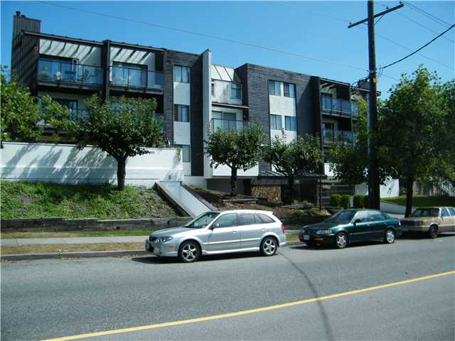 Main Photo: 104 315 10TH Street in New Westminster: Uptown NW Condo for sale : MLS® # V847115