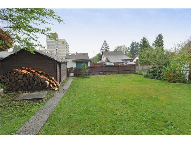 Photo 9: 1104 NANAIMO Street in New Westminster: Moody Park House for sale : MLS® # V1002969