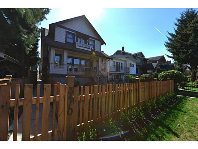 "Photo 2: 3410 W 3RD Avenue in Vancouver: Kitsilano House 1/2 Duplex for sale in ""North of 4th"" (Vancouver West)  : MLS(r) # V1057644"
