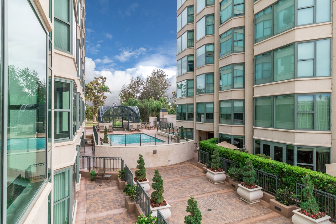 Photo 5: SAN DIEGO Condo for sale : 3 bedrooms : 2500 6th Avenue #303