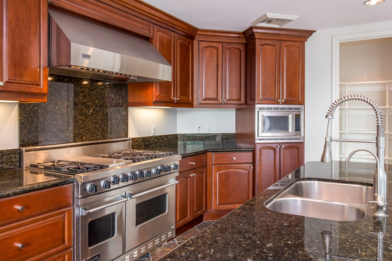 Photo 2: SAN DIEGO Condo for sale : 3 bedrooms : 2500 6th Avenue #303