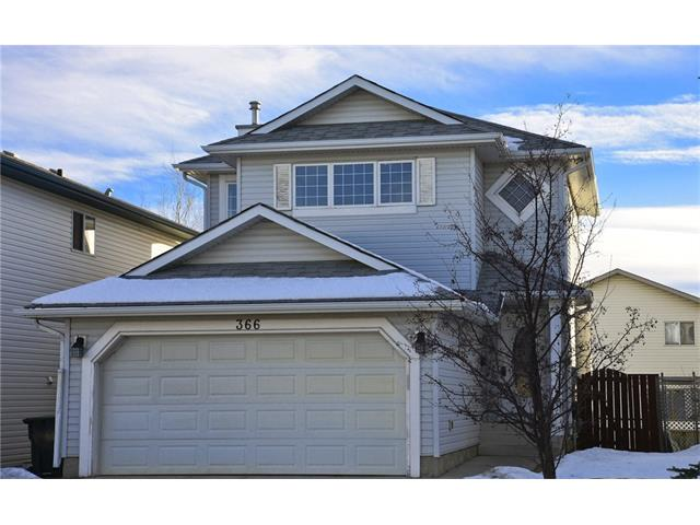 Main Photo: 366 DOUGLAS RIDGE Circle SE in Calgary: Douglasdale/Glen House for sale : MLS(r) # C4047067