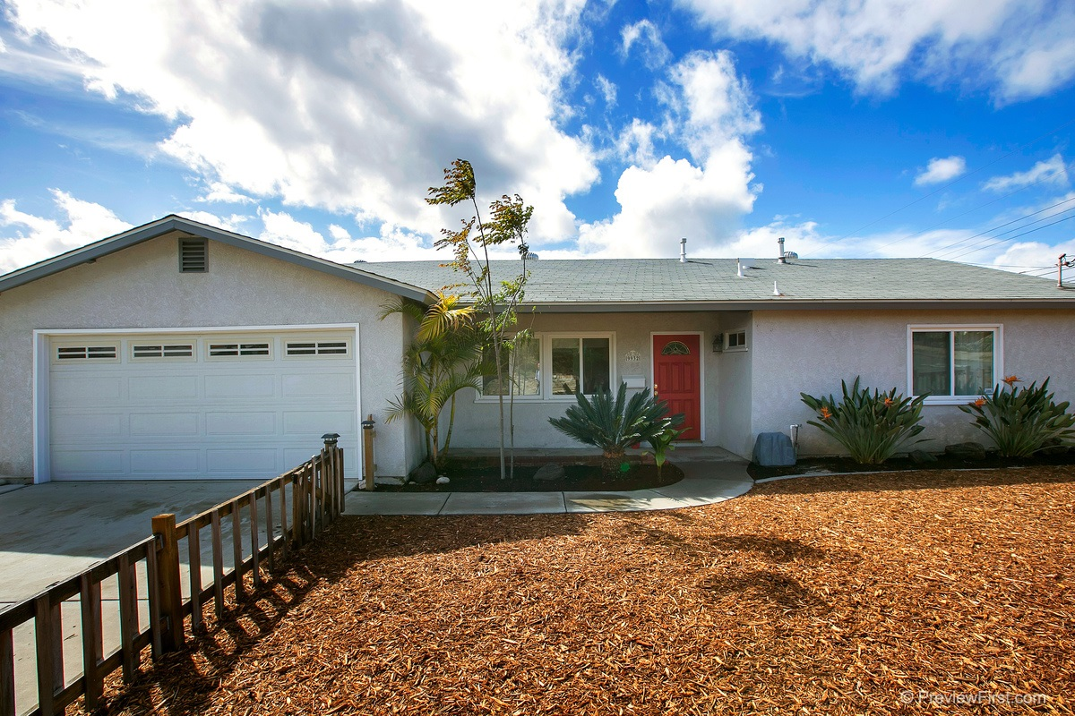 Main Photo: SANTEE House for sale : 3 bedrooms : 9932 SETTLE ROAD