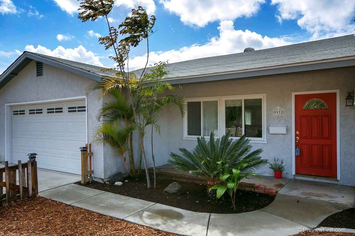 Photo 2: SANTEE House for sale : 3 bedrooms : 9932 SETTLE ROAD
