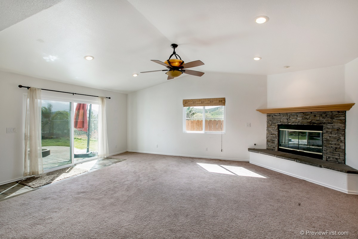 Photo 9: SANTEE House for sale : 3 bedrooms : 9932 SETTLE ROAD