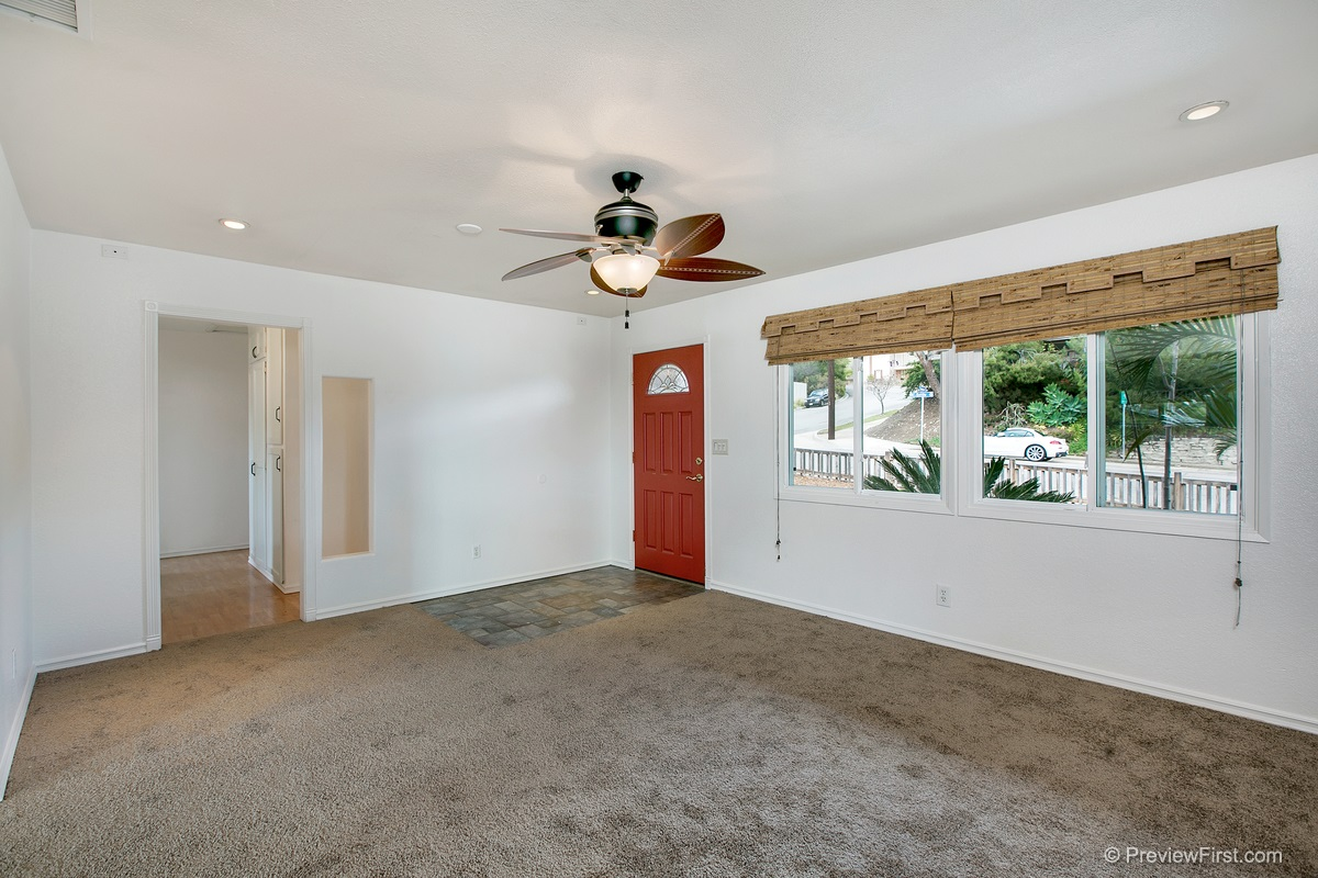 Photo 4: SANTEE House for sale : 3 bedrooms : 9932 SETTLE ROAD