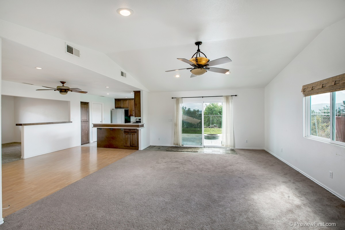 Photo 7: SANTEE House for sale : 3 bedrooms : 9932 SETTLE ROAD
