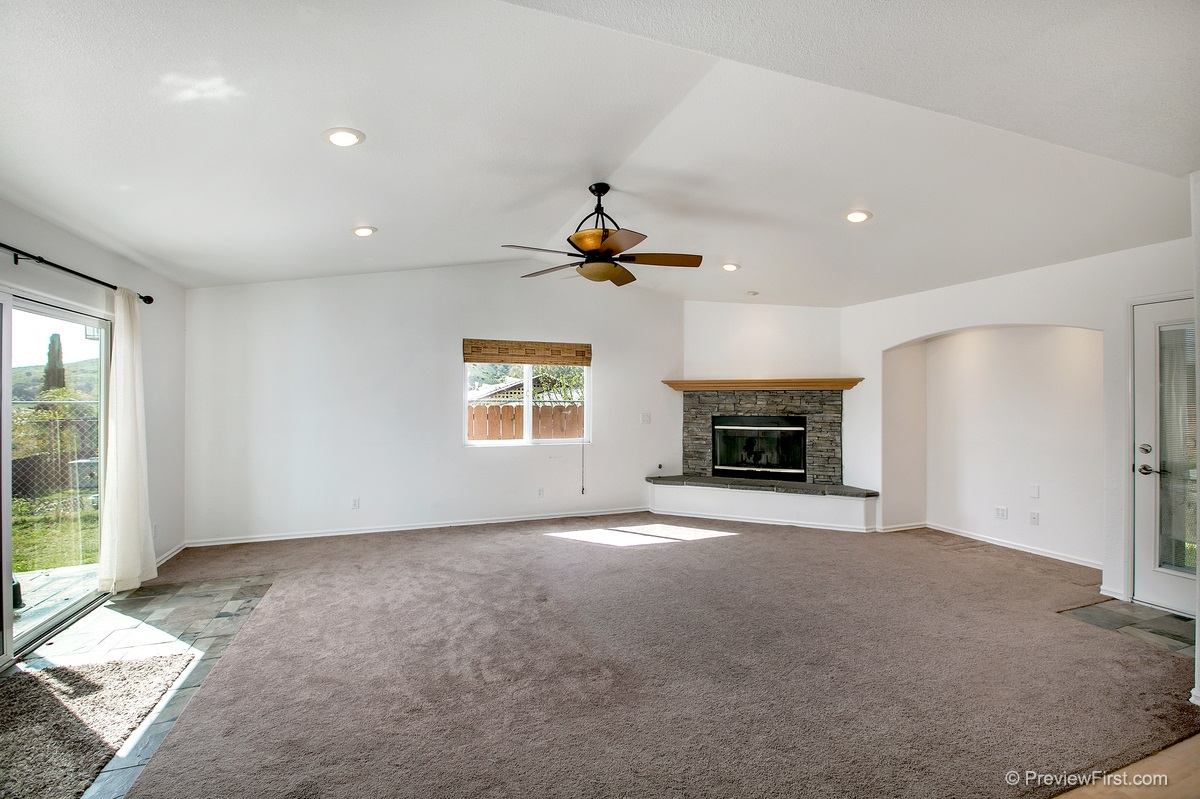 Photo 6: SANTEE House for sale : 3 bedrooms : 9932 SETTLE ROAD