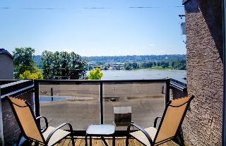 "Main Photo: 108 312 CARNARVON Street in New Westminster: Downtown NW Condo for sale in ""CAMARVON TERRACE"" : MLS® # R2087444"