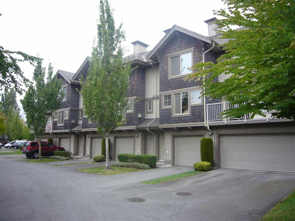 "Main Photo: 38 20761 DUNCAN Way in Langley: Langley City Townhouse for sale in ""WYNDHAM LANE"" : MLS(r) # R2113725"