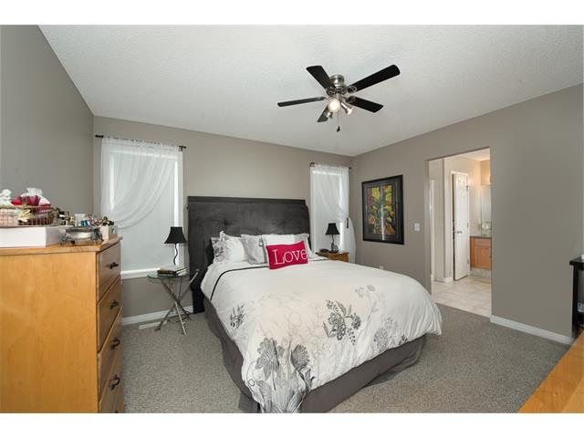 Photo 15: 131 Valley Stream Circle NW in Calgary: Valley Ridge House for sale : MLS® # C4092729