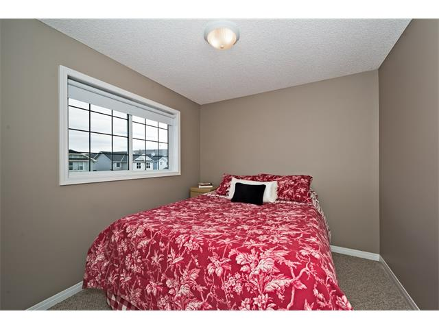 Photo 20: 131 Valley Stream Circle NW in Calgary: Valley Ridge House for sale : MLS® # C4092729