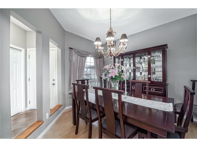 Photo 14: 131 Valley Stream Circle NW in Calgary: Valley Ridge House for sale : MLS® # C4092729