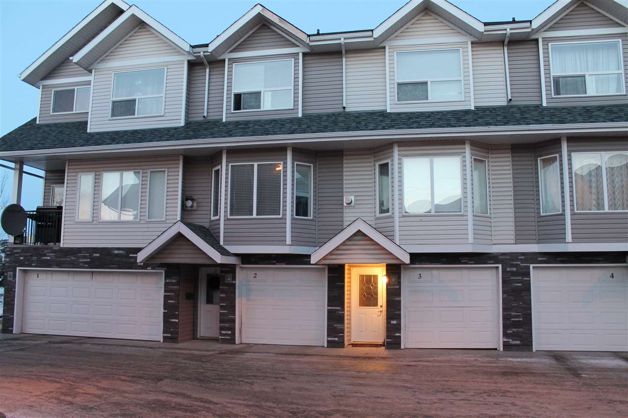 Main Photo: 3 13215 153 Avenue NW in Edmonton: Zone 27 Townhouse for sale : MLS(r) # E4048918