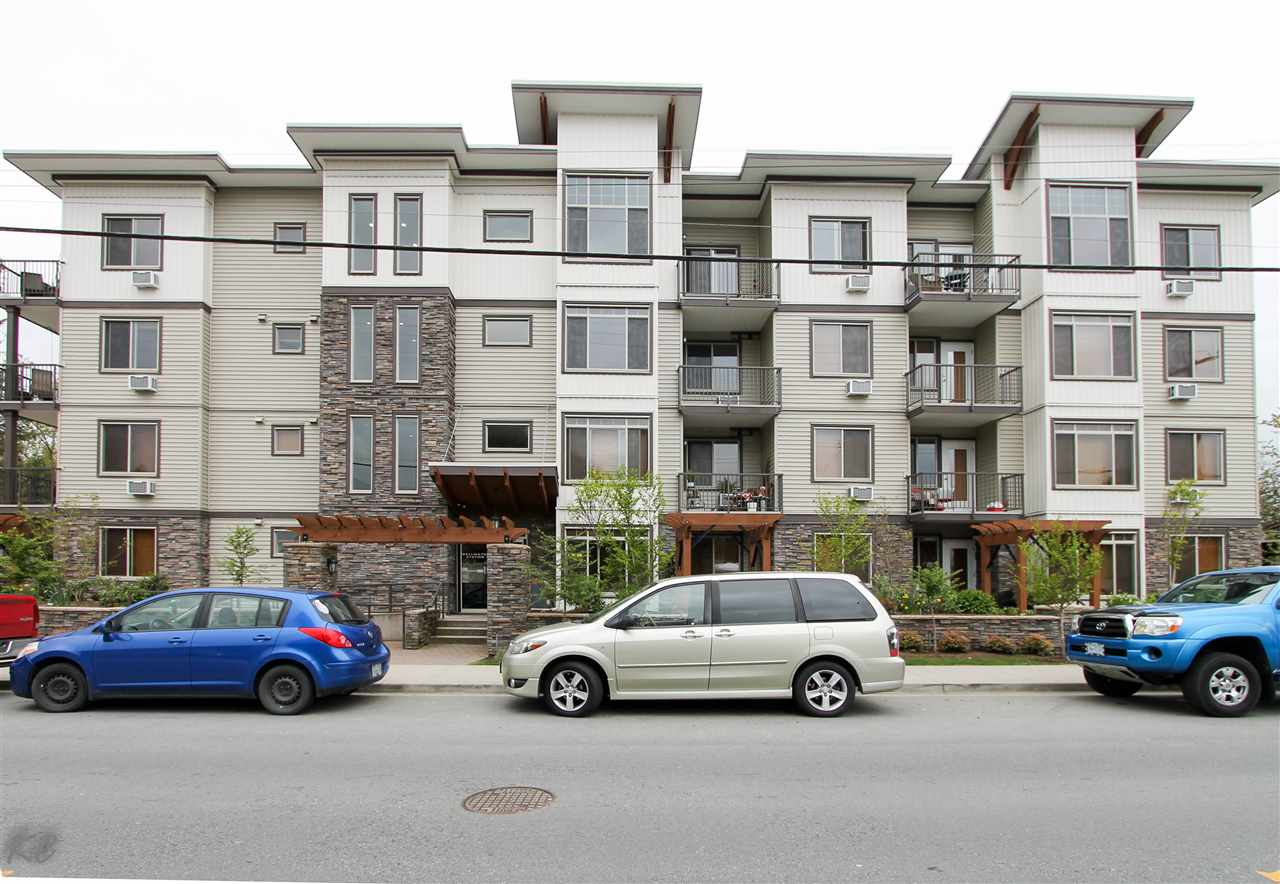 "Main Photo: 208 11887 BURNETT Street in Maple Ridge: East Central Condo for sale in ""WELLINGTON STATION"" : MLS®# R2141340"