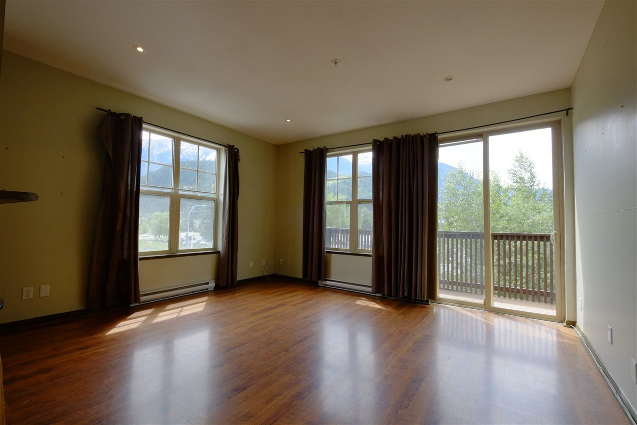 "Photo 4: 201 1436 PORTAGE Road: Pemberton Townhouse for sale in ""PORTAGE STATION"" : MLS® # R2144828"