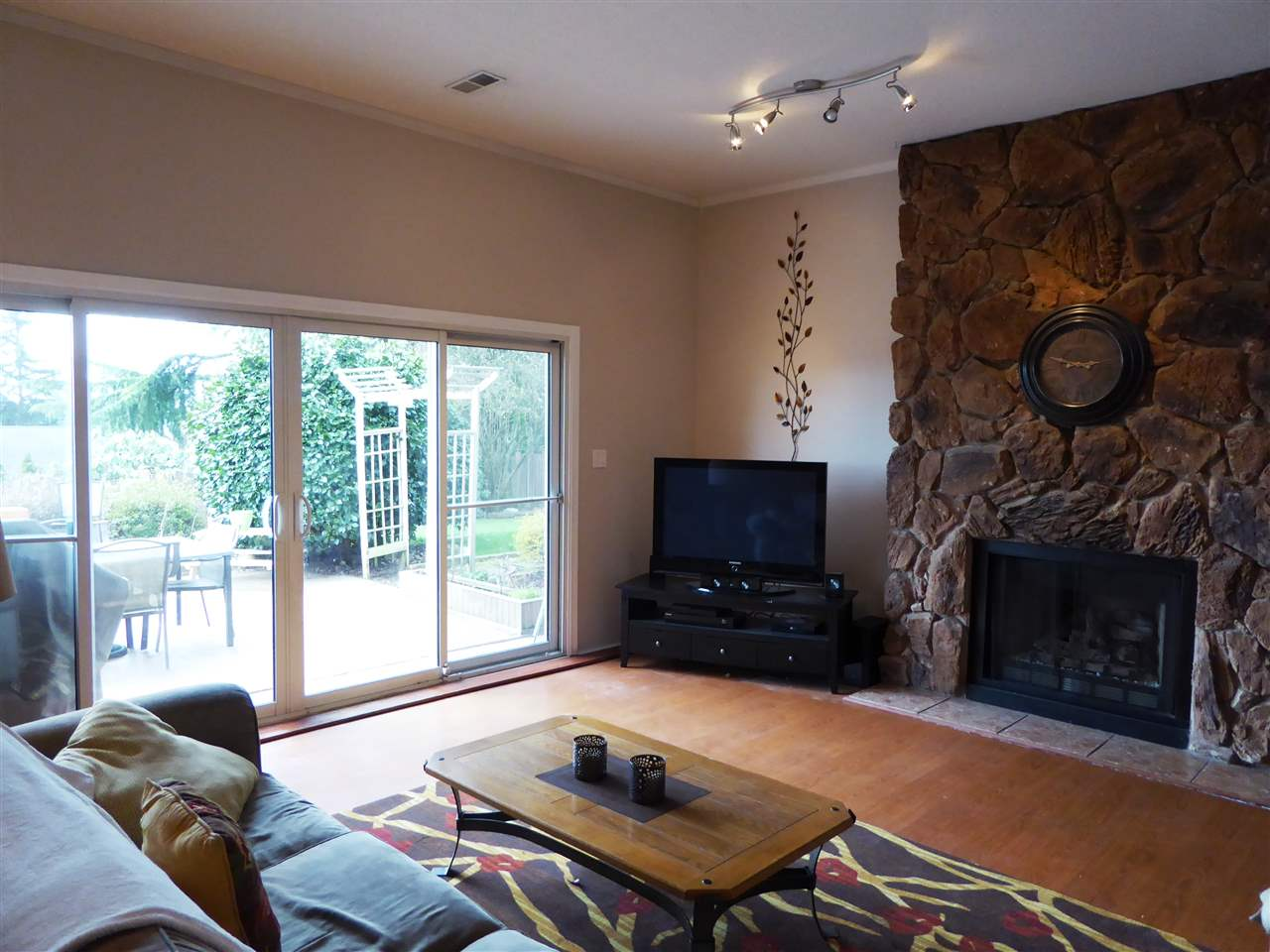 "Photo 11: 317 HICKEY Drive in Coquitlam: Coquitlam East House for sale in ""Dartmoor Heights"" : MLS(r) # R2148607"